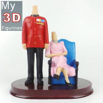 3d personalized bobbleheads Queen and Guard couple SR162