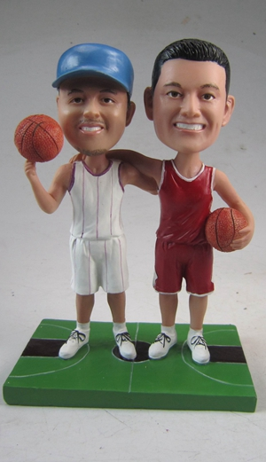 Make bobblehead dolls for your friends